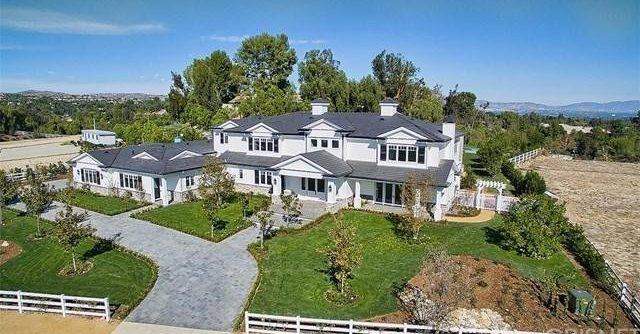 kylie-jenner-new-house-18